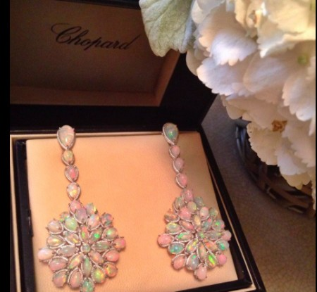 cate-blanchette-opal-chopard-earrings