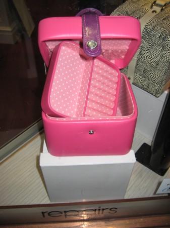 Jewellery box, pink, childrens, kids, girls, adorn jewels, storage, jewellery, roll