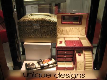 Jewellery box, unique, adorn jewels, storage, jewellery, roll